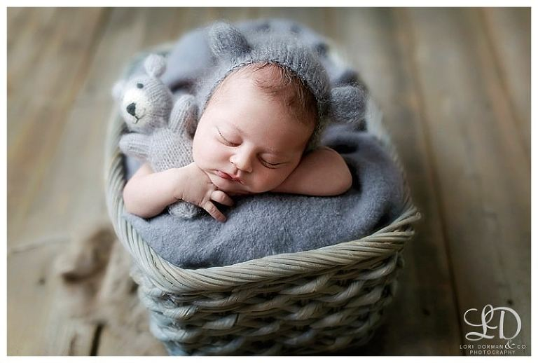 sweet newborn photography session-home newborn session-lori dorman photography_0104.jpg